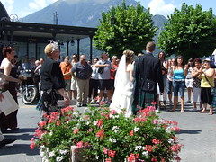 Scottish wedding wows the crowd, Bellagio, Italy