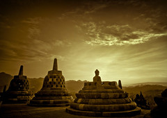 Borobudur temple, Java, Indonesia (Eric Lafforgue) Tags: light indonesia temple java asia explore asie indonesie borobudur indonesi indonesien borobodur  indonsie  indonezja lafforgue indoneesia   endonezya indonezija    indonzia indonezia 704465 indnesa  indonzija indonezio indoneziya indonisa