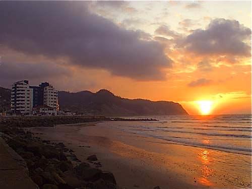 Bahia-Ecuador-sunset