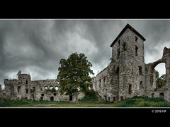 gloomy castle (Mariusz Petelicki) Tags: panorama poland maopolska canonefs1022mm 3xp canon400d zamektczyn 2x3xp mariuszpetelicki vosplusbellesphotos tczyncastle