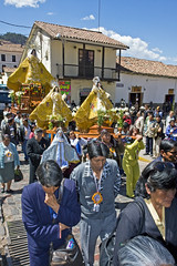 Procession 2 (Knight_of_W.) Tags: trip travel vacation people holiday americalatina cuzco portraits canon geotagged is foto christ gente photos madonna faith religion folklore per persone usm cristo viaggi ritratti efs f28 fede reportage religione artscrafts ges 1755mm mestieri canonefs1755mmf28isusm nationalgeographicbyitalianpeople canon40d imagesofharmony catholicesm