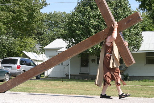 Jesus carries the cross at Biblesta