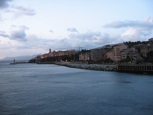 Vista su Bastia all'alba
