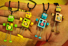 Robot Necklace (Dt' Fazly ) Tags: robot necklace store nikon palm malaysia d60 fourskin
