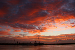 Sunrise (Katka S.) Tags: city morning las light red sea colour luz clouds port sunrise de puerto islands la spain erasmus capital ciudad canarias atlantic espana gran canary 2008 islas canaria palmas weater llp aplusphoto theunforgettablepictures fotocompetition fotocompetitionbronze