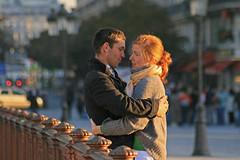 Pont au Double - Paris (France) (Meteorry) Tags: europe france paris parispeople seine pont bridge man boy lad woman lady girl pontaudouble double couple love amour amore morning matin light autumn fall automne 2008 notredame meteorry