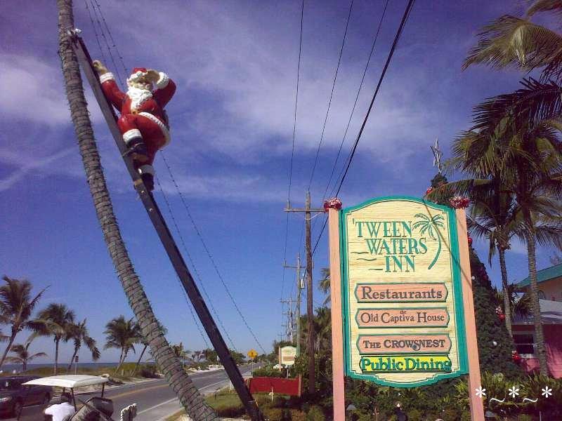 11272008436-Climbing-Santa-Tween-Waters-Inn