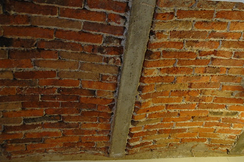 Arched brick ceiling, artist's studio, Mexique, Zona Centro, Guadalajara, Jalisco, Mexico by Wonderlane