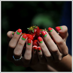 eper __ strawberry (eclipse.chaser) Tags: green strawberry backyard nail microcosmos eper nailartist krmfests