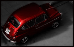 A CaR (SwEeTcHy) Tags: street red window car ventana calle rojo fiat coche 600 escarabajo ruedas automovil goldenglobe abigfave diamondclassphotographer
