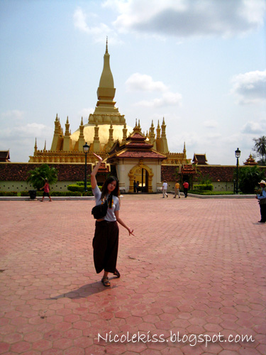 pha that luang from far