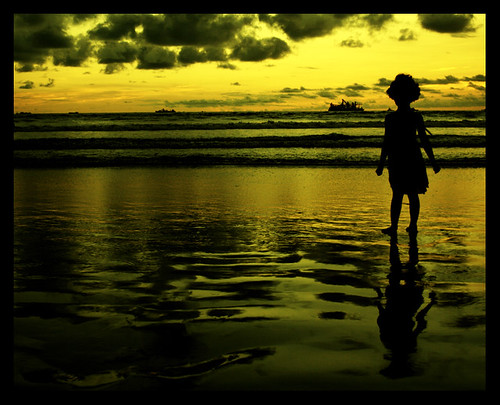 Chitra Aiyer Photograph: Daughter at the beach