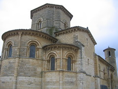 "Iglesia de San Martin • <a style=""font-size:0.8em;"" href=""http://www.flickr.com/photos/48277923@N00/2622047425/"" target=""_blank"">View on Flickr</a>"