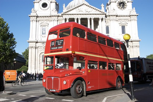 Old Routemaster bus by St. Pauls Cathedral