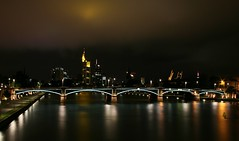 Frankfurt Skyline (marcwiegelmann) Tags: water skyline night wasser skyscrapers nacht frankfurt main bridges citylights brcke picnik nachtaufnahme mainriver brcken hochhuser flus flserbrcke wwwmwfotografiede