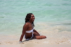 Girl posing at beach (filipe mota rebelo   400.000 views! thank you) Tags: summer vacation portrait white sexy green beach water girl canon island posing babe bikini jamaica 2008 vacations caribe 40d canoneos40d goldstaraward