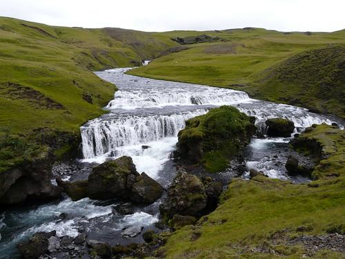 el riu de la cascada de Skógafoss