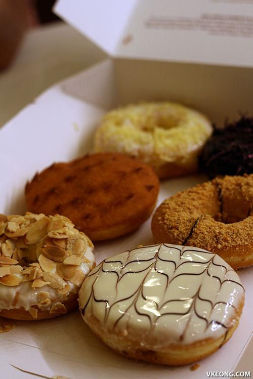 big apple donut