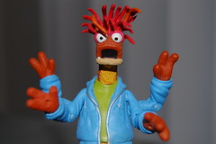 Pepe The King Prawn - 365 Toy Project - 75/365 (Lunchbox Photography) Tags: blue red orange green yellow toy actionfigure king muppets jim pepe muppet ok henson prawn jimhenson pallisades d40 mmmkay pepethekingprawn muppetstonight