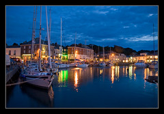 Padstow tranquility (Roger.C) Tags: longexposure blue water beauty night canon evening cornwall harbour sigma padstow