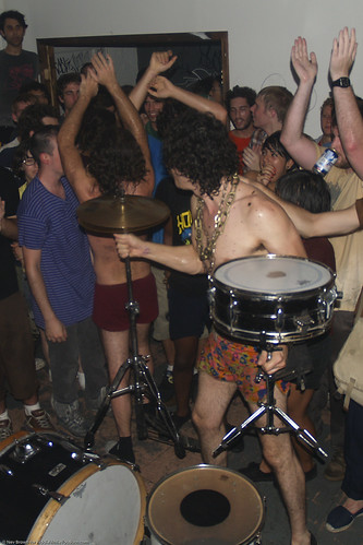 09.08 Monotonix @ Death By Audio (55)