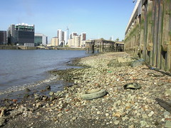 Thames Foreshore, North Greenwich (Photo Ab & Dan) Tags: thames greenwich rubbish foreshore