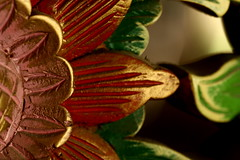 Pamekasan (Farl) Tags: travel red macro green colors indonesia java carving madura 100mmf28 eastjava jawatimur ukiran pamekasan hotelrestaurantputri