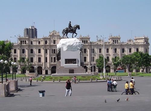 Lima (Perú) - Plaza San Martín by Iván Utz.