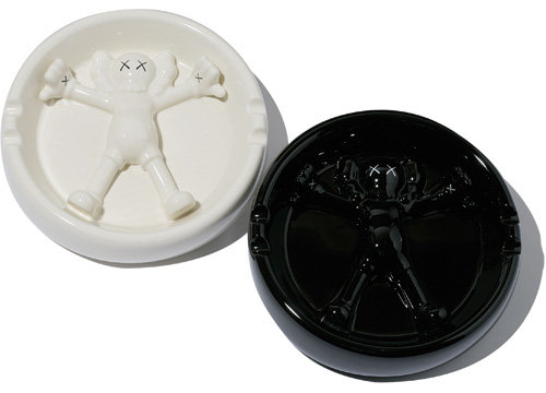 kaws_ashtray