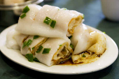 crullers wrapped in rice noodle rolls