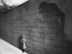 (sole) Tags: shadow bw woman girl wall photography nosferatu manipulation horror nightmare macabre sole carmengonzalez flightsoffancyforever friedrichwilhelmmurnau