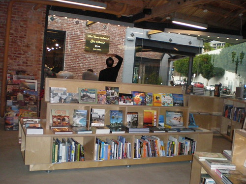 Los Angeles shelf
