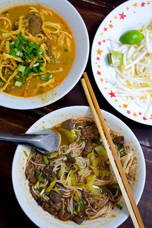 Khao soi and nam ngiaw at Kuaytiaw 12 Panna, Bangkok