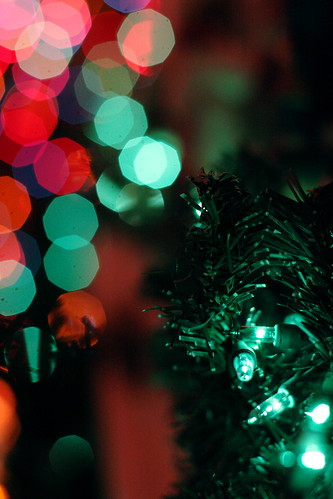 Save money and get free Christmas wallpapers online. (Photo via pagedooley, Flickr.com)