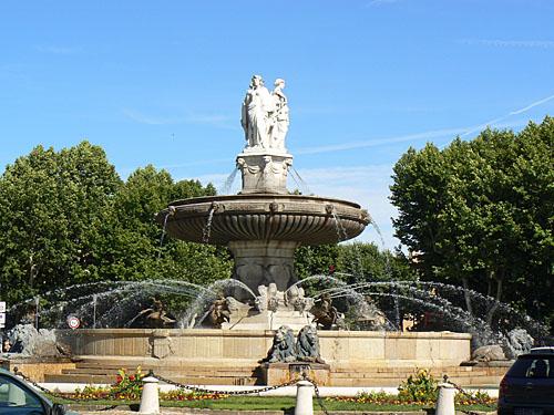 grande fontaine rotonde.jpg