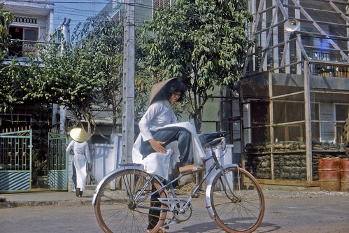 School Girl in Ao Dai in 1968--img033 by Lance & Cromwell