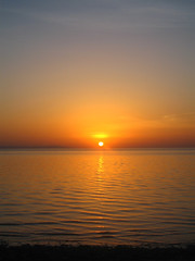 Al Gouna - Red Sea Sunrise -  (Magh) Tags: morning sea sky sun beach water colors yellow strand sunrise dawn early sand colours redsea egypt middleeast himmel gul hav morgon soloppgang rdehavet vatn seawater midtsten midtausten saltvatn algouna   redseasunrise raudehavet tidleg