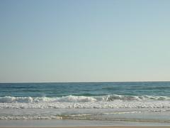 El mar (buzzt) Tags: ocean cliff beach portugal water strand nikon meer wasser waves coolpix wellen klippen 2100 klippe e2100 ilustrarportugal buzzt75