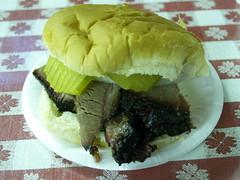 Sandwich med grillet oksekød