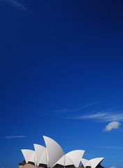 Blue sky (magical-world) Tags: travel blue original cloud architecture opera sydney australia bluesky hd 2008 sydneyoperahouse worldtrip oceania magicalworld lpsky