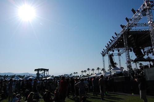 Coachella 09: McCartney, Cohen, Cure appear recession-proof