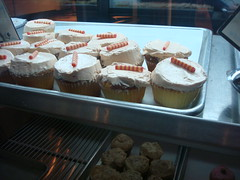 Cupcakes, Flying Monkey Patisserie