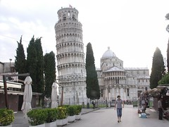 torre (the wasted nothing) Tags: italy tower italia torre pisa turismo leaning pendente banalit