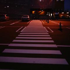 【写真】ミニデジで撮影した駐車場内の歩行者通路