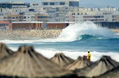 Costa Protegida (mauromotty) Tags: praia beach portugal wave lifeguard strong fora costadacaparica onda nadadorsalvador
