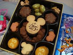 ディズニーランド クッキー缶1