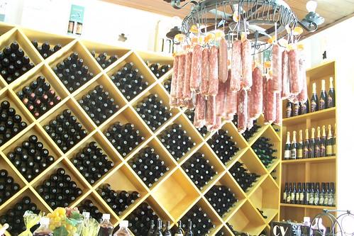 Loja de vinhos e queijos, Canela, RS