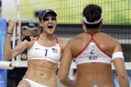 Misty May-Treanor and Kerri Walsh beat The Cuban team in Beach Volleyball of