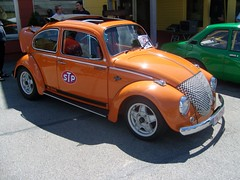 Bser Kfer ... (bayernernst) Tags: auto orange cars car vw volkswagen bayern deutschland beetle boxer oldtimer autos juli 2008 oldcars vwbeetle kfer aircooled vwkfer luftgekhlt oldtimertreffen boxermotor volkswagenkfer 05072008 flickrblick oldtimertreffenhauzenberg sn200378