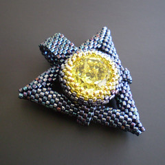 Jonquil Triangle Pendant (BeadJewelryShopgirl) Tags: black triangles beaded bao beadwork jonquil swarovskicrystals delicas ebw beadjewelryshopgirl beadweave etsybeadweaver beadartoriginals